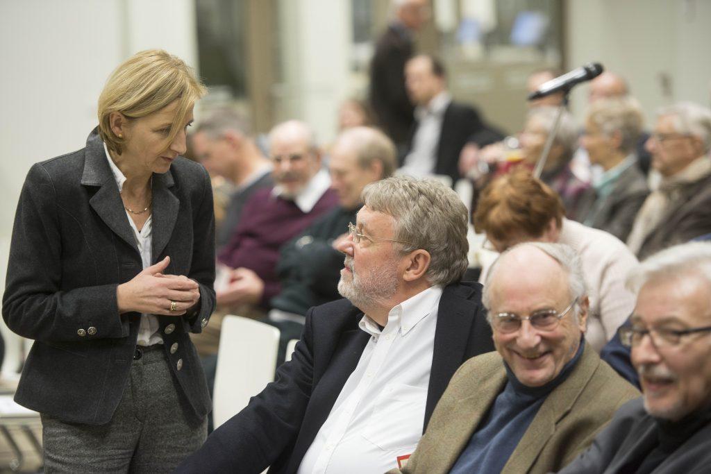 Christiane Kunst spricht mit Dieter Deiseroth